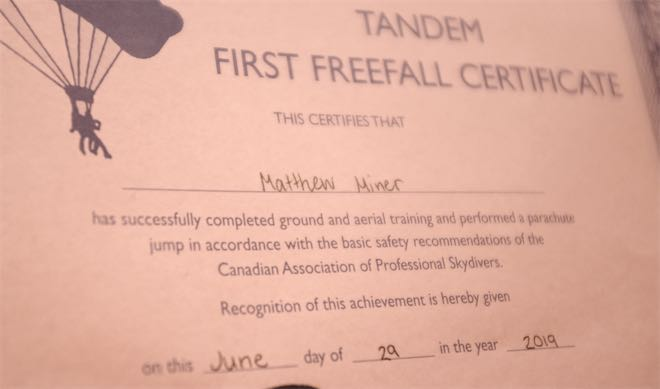 Skydiving first jump certificate